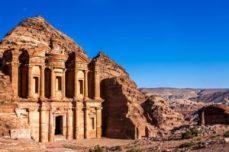 Manastire-Petra-Iordania-300x200